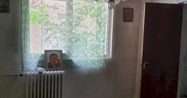 Garsoniera Victoriei 23mp, necesita renovare, pretabil inves