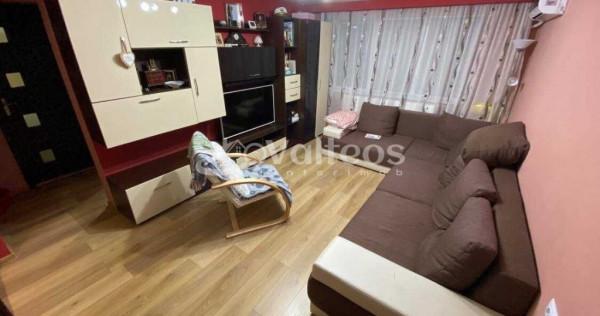 Resita, apartament 3 camere, 75 mp, mobilat, Govandari