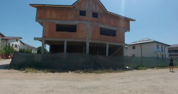 Casa tip penthouse, Etaj si mansarda, 4 camere si 70 mp curt