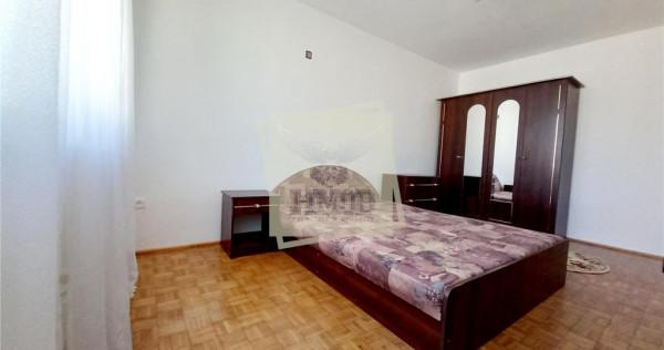 Apartament 3 camere total decomandat si balcon in zona Vasil
