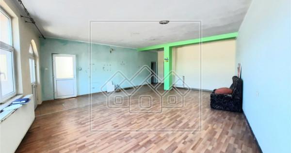 Apartament cu 2 camere - Alba Iulia- zona Centrala