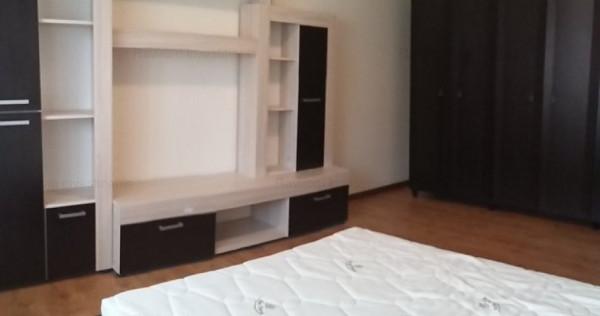 Garsoniera renovata elegant, mobilata, pe Milcov