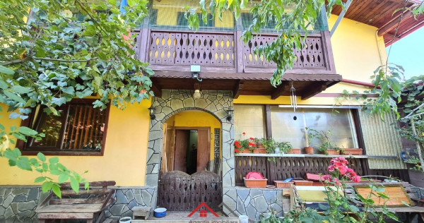 Casa 6 camere, 2 bai, in Breaza, central, teren 600 mp !