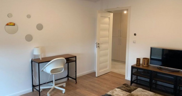 Apartament o camera situat in zona Punctelor Cardinale