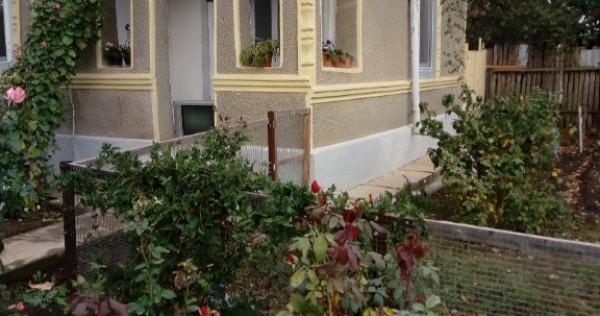 Casa si teren Padina
