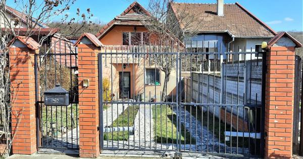 Casa 4 camere de vanzare cu piscina langa padure in Baile...
