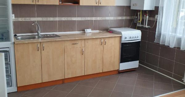 Apartament 3 camere la prima inchiriere in Centrul Floresti!