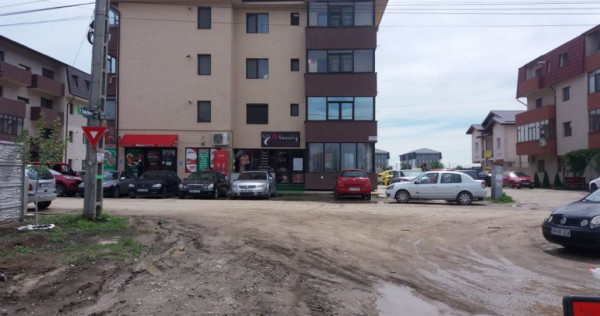 Apartament cu 3 camere si parcare inclusa/ se preda la alb