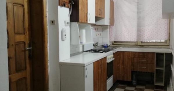 Apartament 2 cam la casa, ultracentral, in Oradea