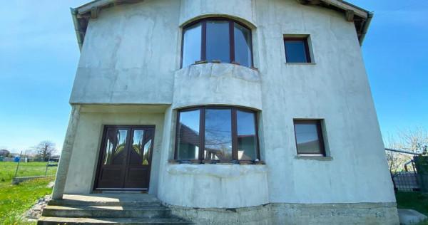 Casa gigantica pe teren de 3500 mp. - Leș