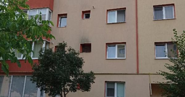 Ofer spre închiriere apartament conf 1 decom. cu 2 camere