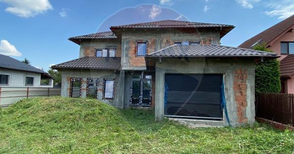 Casă / Vilă cu 4 camere de vânzare în zona Serbanesti