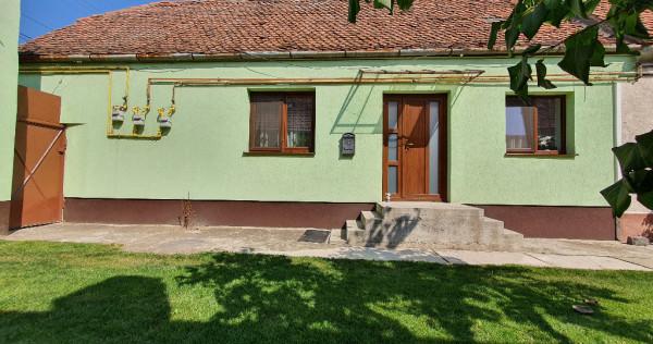 Casa / Apartament 2 camere cu curte de inchiriat in Codlea