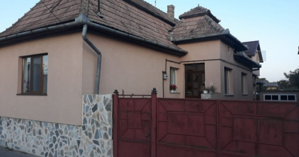 Casa vila Turda Noua, Cluj, Salina Turda si langa scolii