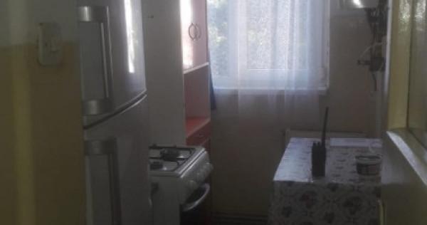 Inchiriez apartament 3 camere zonă centrală