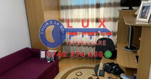 ID INTERN 3250: Apartament cu 3 camere~Zona Neptun