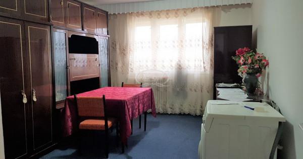 Apartament cu 3 camere decomandate, in Manastur