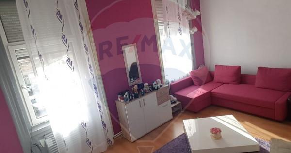 Apartament 2 camere Boul Roșu,renovat recent,spațios,ce...