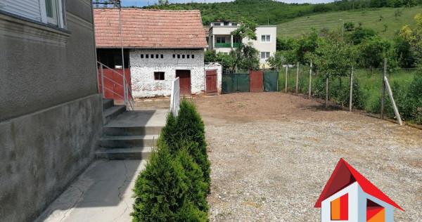 Casa cu teren 1.051 mp