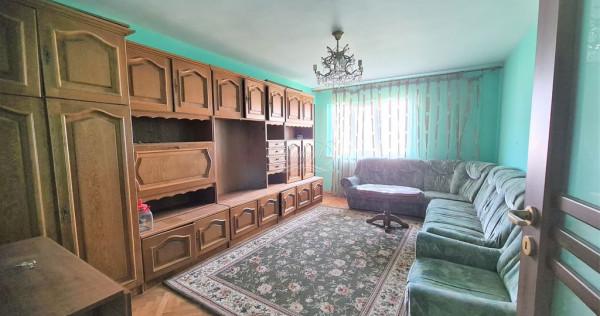 Apartament cu 4 camere decomandate, in Manastur
