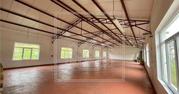 Spatiu industrial si birouri - 550 mp - curte 1200 mp