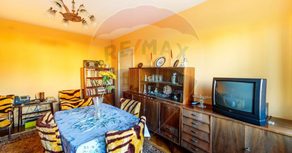 Apartament cu 3 camere de închiriat în zona UTA