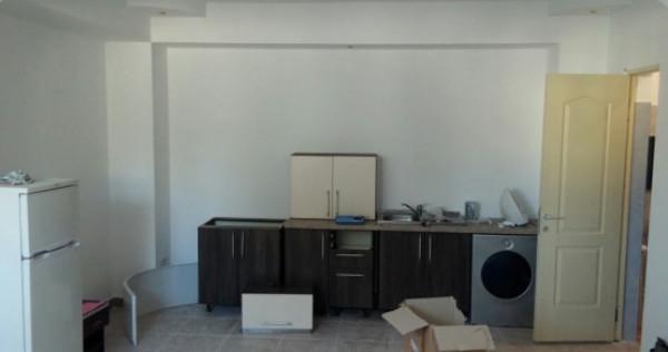 Inchiriez apartament 2 camere in casa parter central